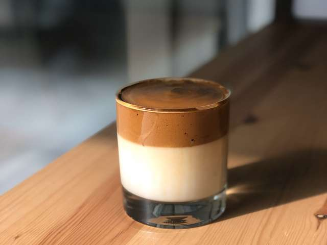 ダルゴナコーヒー 味 レシピ 失敗 作り方 飲み方